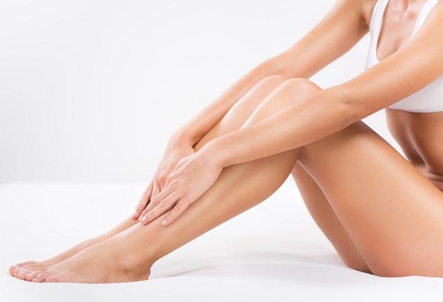 Mulher mostrando as pernas
