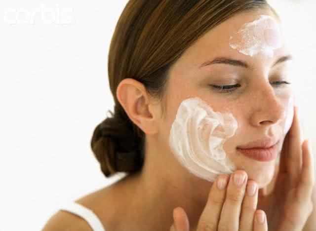 Clareie sua pele com nossos métodos naturais
