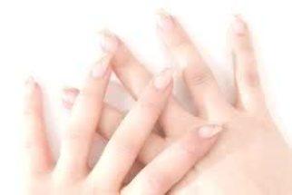 Deixe suas unhas fortes e bonitas através de tratamentos caseiros