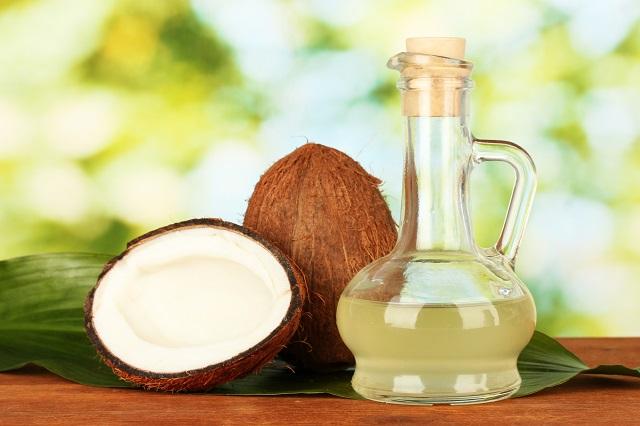 Frasco de vidro com óleo de coco