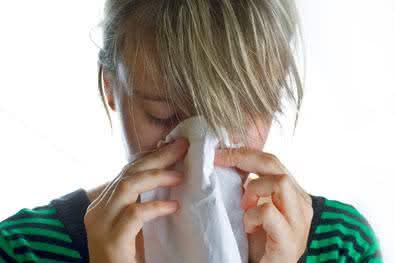 Conheça alguns remédios caseiros que podem acabar com a coriza
