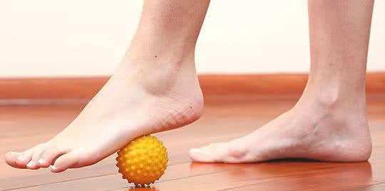 Use alguns movimentos para drenar os líquidos dos corpo