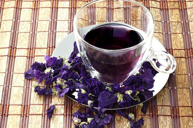 Xícara com chá de malva
