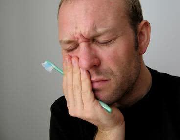 Cuidados e receitas de remédios para dor de dente