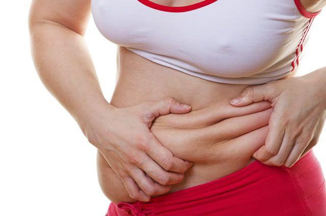 Alguns chás potencializam a queima da gordura abdominal