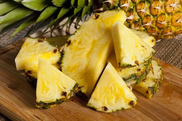 Abacaxi - benefícios da fruta que é a cara do verão