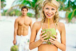 Gostosa e cheia de benefícios: Água de coco
