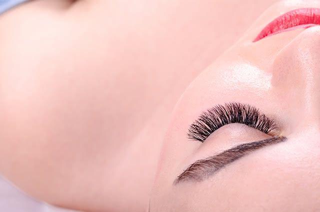 Peles com nível elevado de oleosidade requer tratamentos eficazes