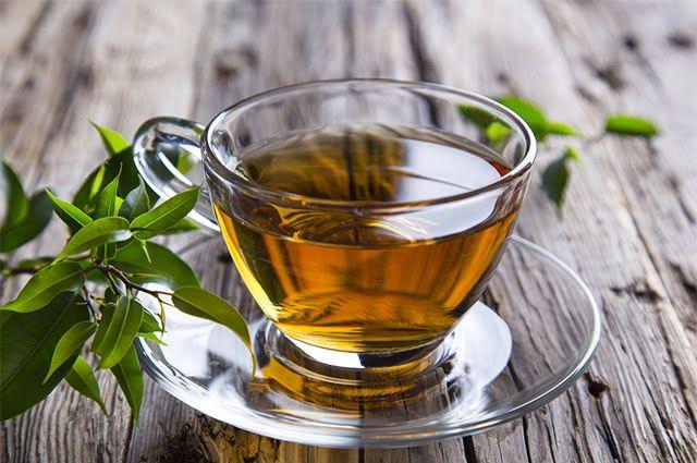 Beba o chá verde e emagreça de forma saudável e cheia de benefícios