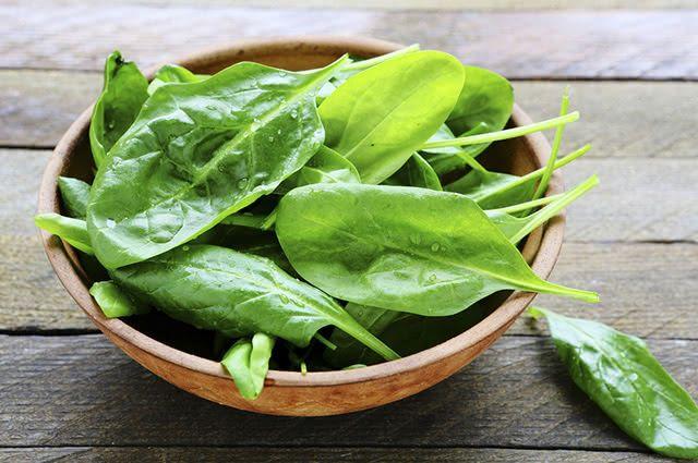 O espinafre é um remédio caseiro para esclerodermia