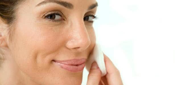 Óleos naturais para o rosto: aprenda a usar sem medo!