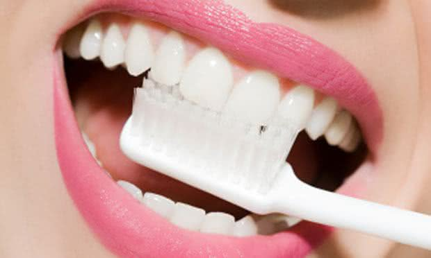 Clareie Os Dentes Com Receitas Caseiras Remedio Caseiro