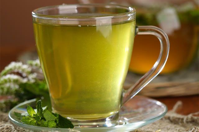 Chá de alfafa tem benefícios inigualáveis
