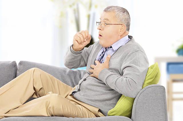 A tosse seca geralmente é causada por alergias