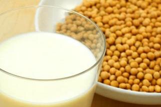 Os benefícios e malefícios do leite de soja