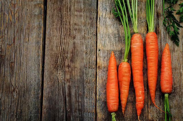 É possível baixar o ácido úrico no sangue naturalmente com cenoura