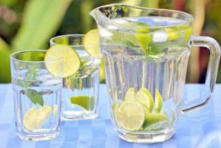 Água aromatizada é aliada da dieta
