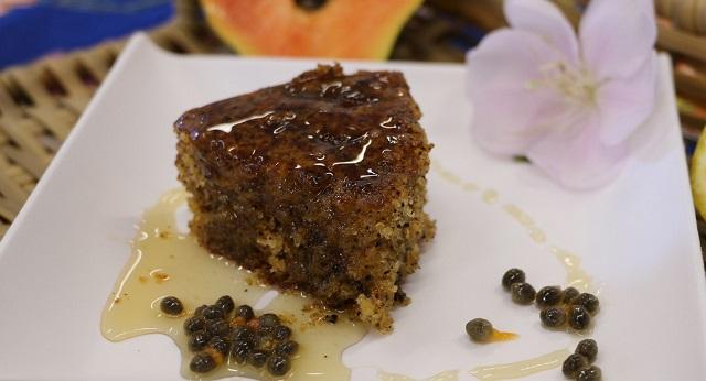 Fatia de bolo de semente de mamão