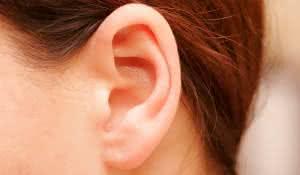 remedios-caseiros-para-desentupir-os-ouvidos