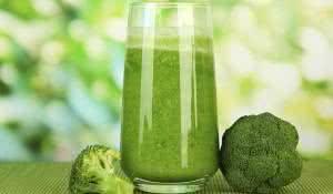 celulas-cancerigenas-combata-com-suco-de-brocolis