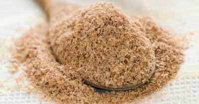 Farinha de aveia é um dos ingredientes recomendados para tratar eczema e psoríase