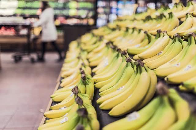 10 motivos para você comer banana todo santo dia