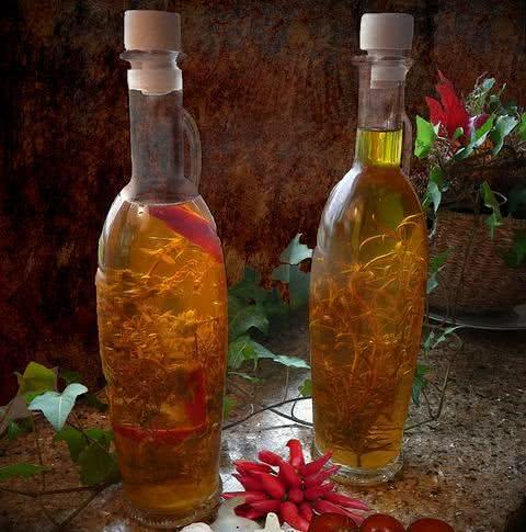 Gargarejo com vinagre para aliviar dor de garganta