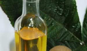 oleo-natural-e-capaz-de-tonificar-a-maciez-dos-cabelos