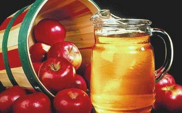 Emagrecimento: faça o poderoso vinagre de maçã em casa