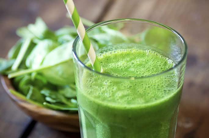 Suco de agrião é potente para combater doenças de pele e anemia