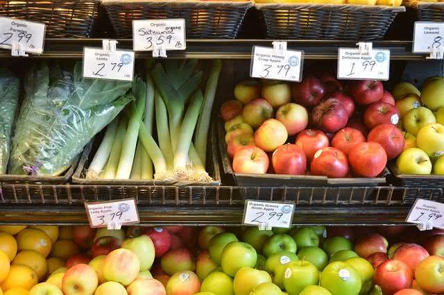 Você sabe como escolher frutas no supermercado? Aprenda!
