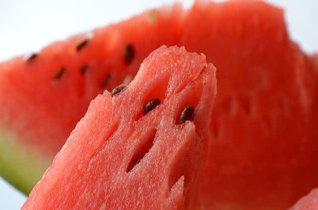 Chá das sementes de melancia elimina pedras nos rins e purifica o intestino