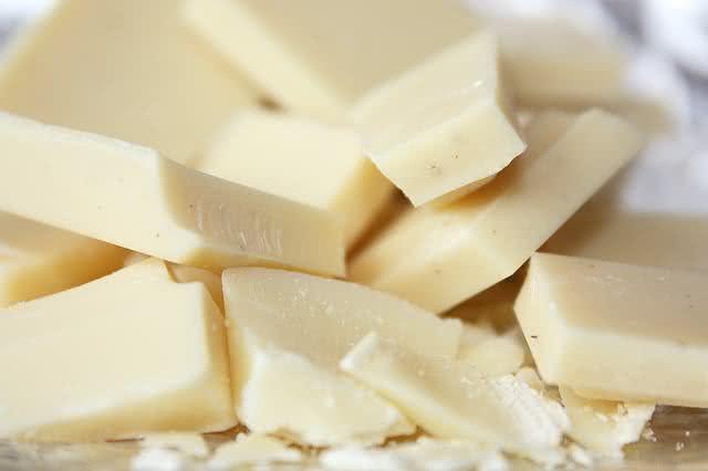 Pedaços de chocolate branco
