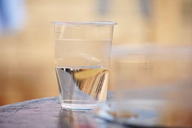 Sem sede? Aprenda truques para estimular a vontade de tomar água