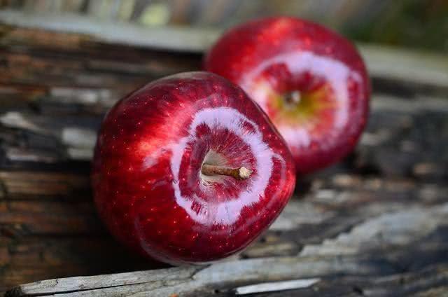Frutas que causam inchaço e gases no organismo