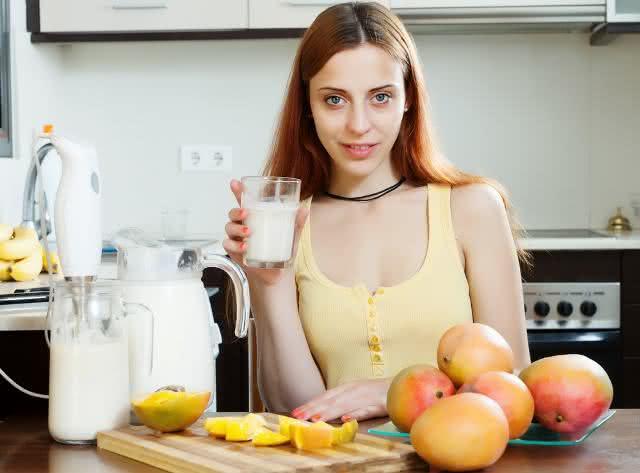Misturar manga com leite faz mal para saúde?