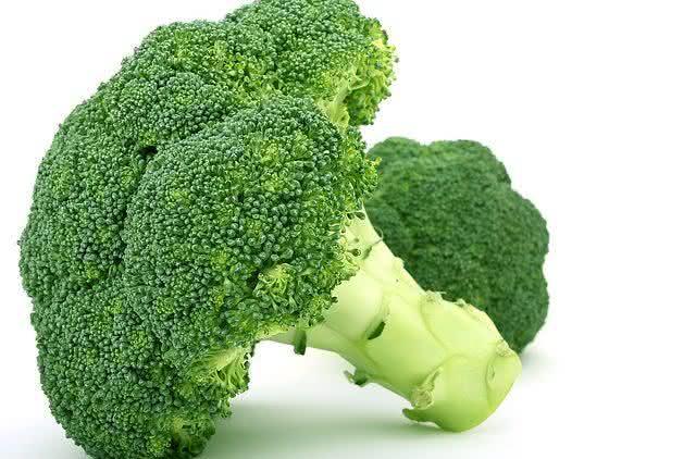 nutrientes-aprenda-a-reaproveitar-casca-e-talos-dos-alimentos-5