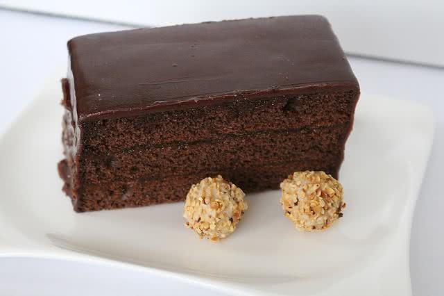 Imagem de fatia de bolo de chocolate