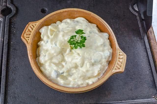 Imagem de tigela com salada e maionese