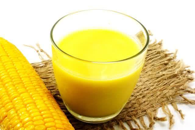 Aprenda receitas de bebidas saudáveis para servir nos festejos juninos