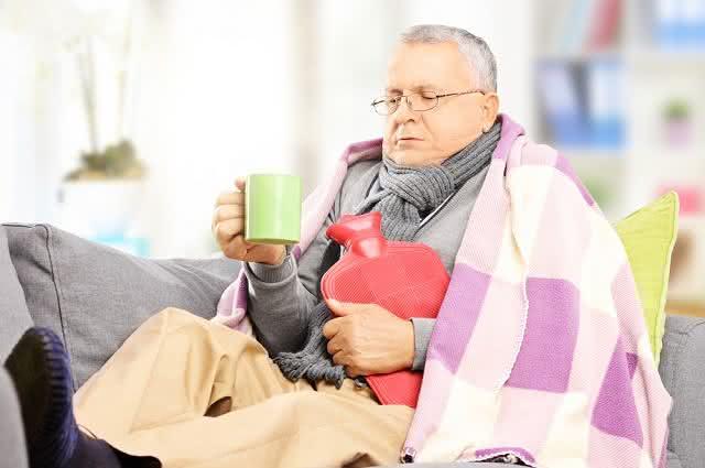 Previna gripes e resfriados com o chá de aquecimento profundo