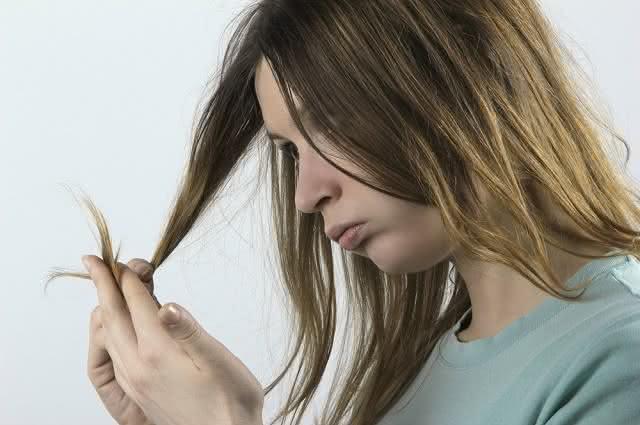 Receita de hidratação caseira para reparar pontas do cabelo