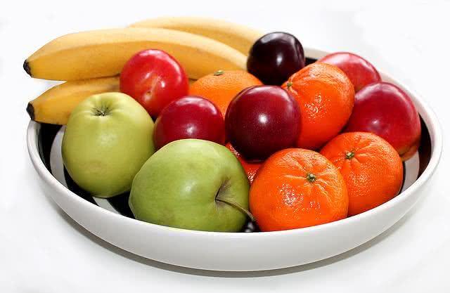 cardapio-fitness-de-cafe-da-manha-para-a-semana-toda frutas