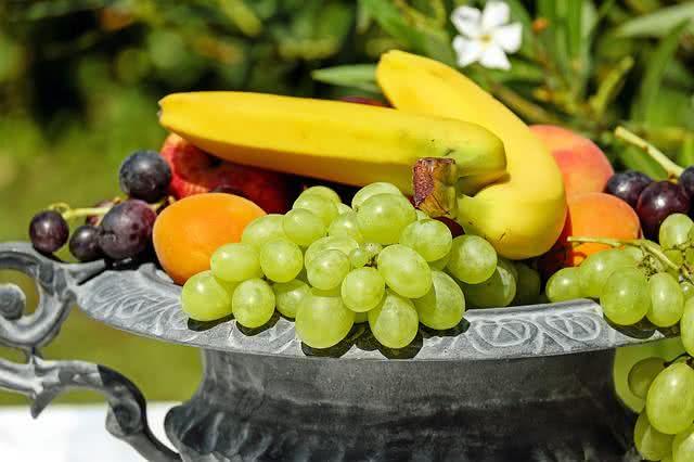o-que-nao-deve-faltar-nas-suas-compras-para-uma-vida-saudavel frutas