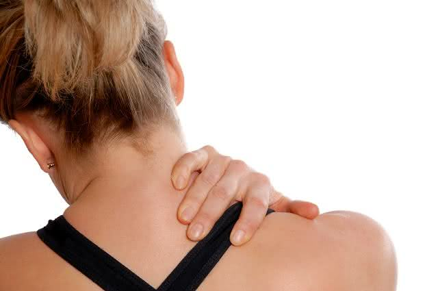 Prepare, em casa, chás para aliviar dor no pescoço