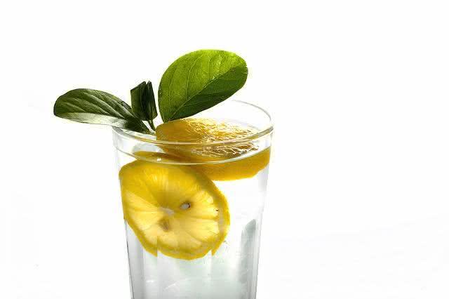 10-motivos-do-limao-ser-uma-das-frutas-mais-eficazes-no-dia-a-dia limonada