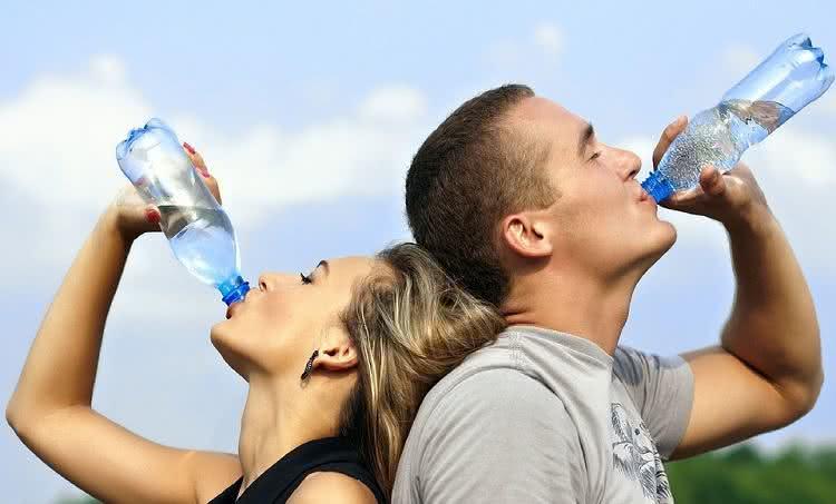A importância da água para o funcionamento do nosso corpo