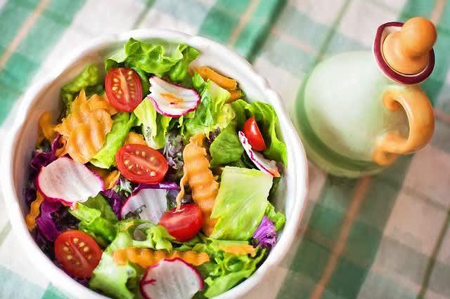 confira-incriveis-e-saborosas-receitas-de-saladas