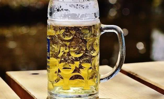 Você sabia que a cerveja faz bem a saúde. Confira