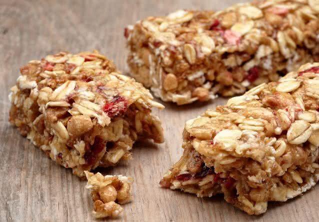 10-alimentos-que-parecem-mas-nao-sao-saudaveis-barra-cereal